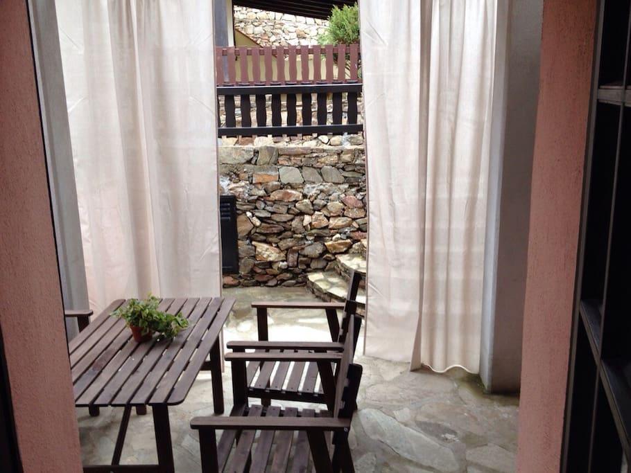 Villino a due passi dal centro townhouses in affitto a for Casa piani veranda anteriore