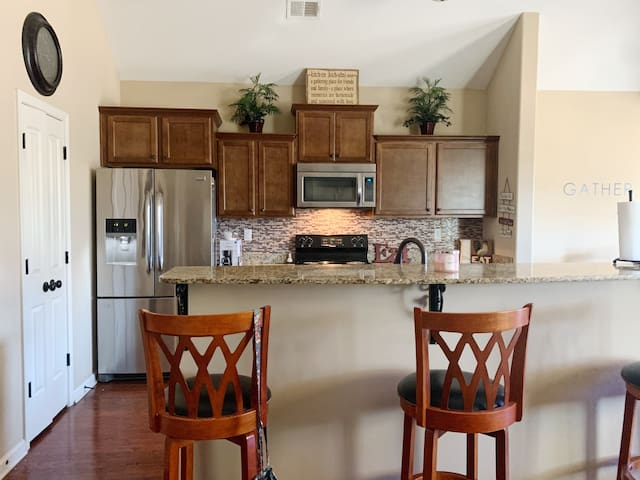 Beautiful New Home! 1 Minute from Memphis