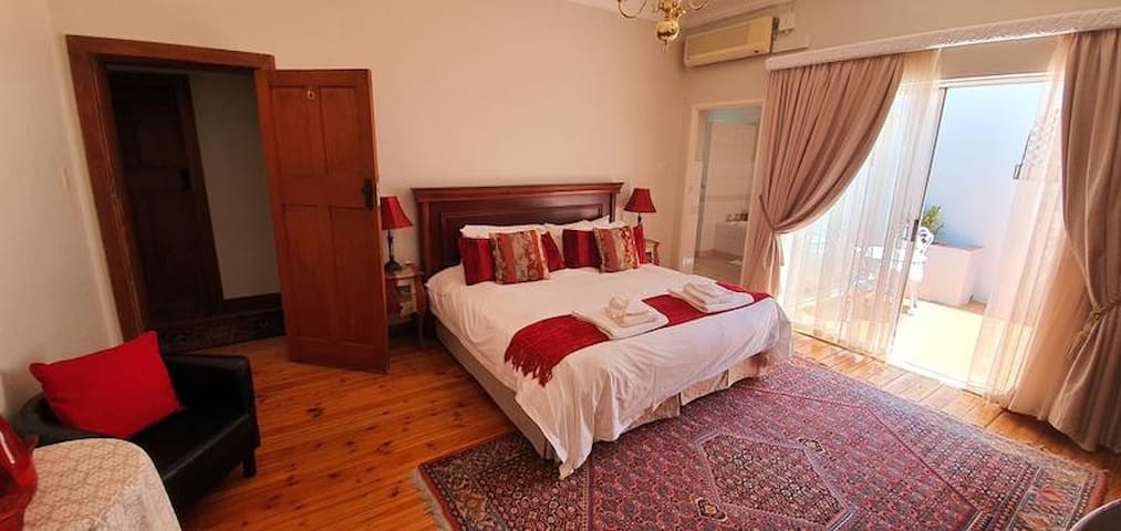 ACACIA @ WESTDENE-Double/Twin Room, Full Bathroom