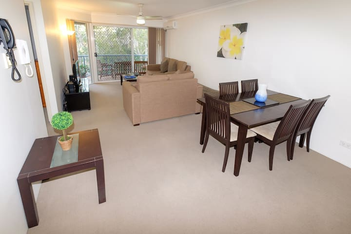 Sanctuary Lake Apartments 2 Bedroom Air-Condition
