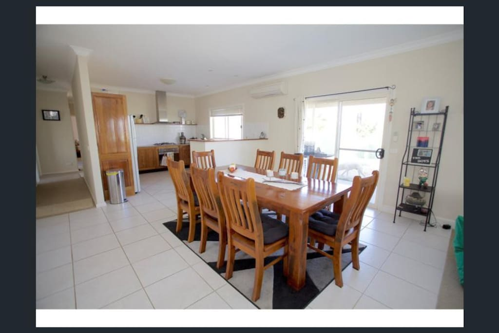 Great size dining room to               share stories with friends