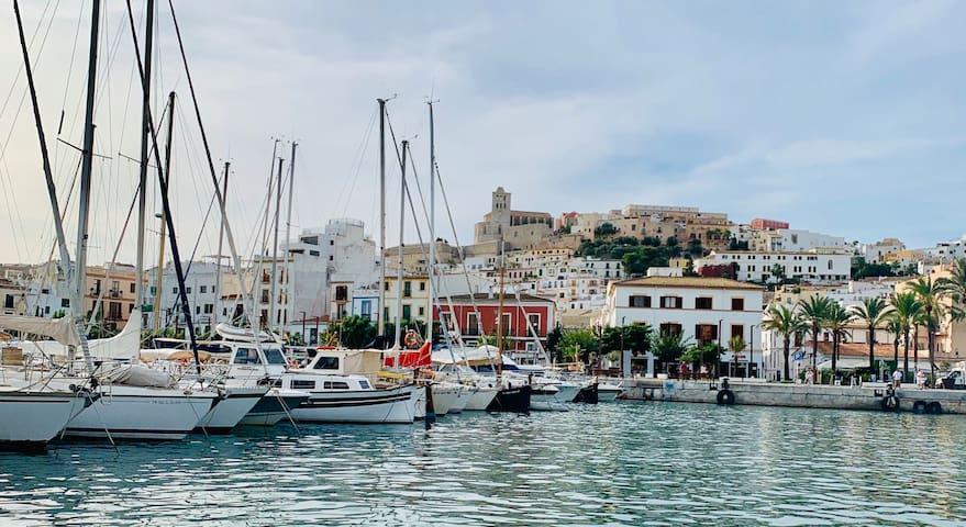Blanc_Ferienwohnung in Ibiza_ Altstadthafen