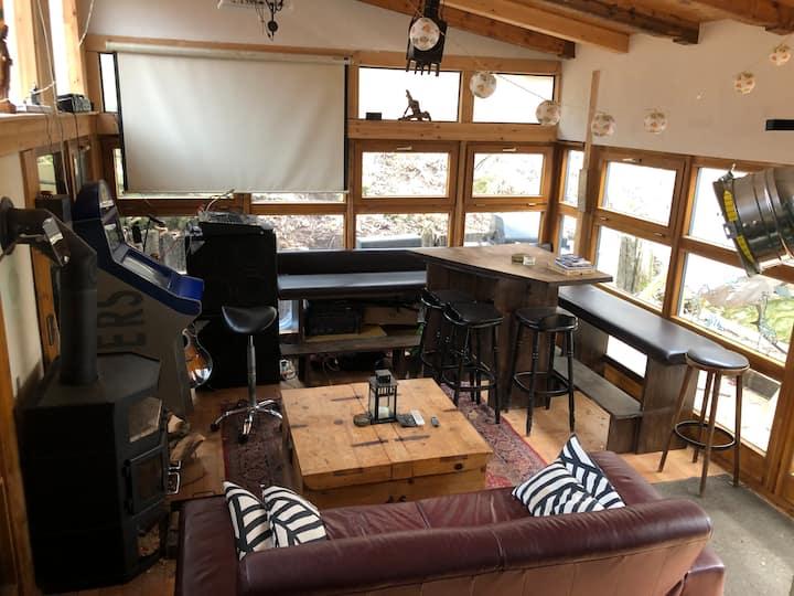 Haus, 1.500m2 Anlage, Sauna, Beamer, Musik, Sport!