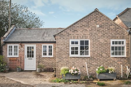 Cottage for two in Coombe Keynes
