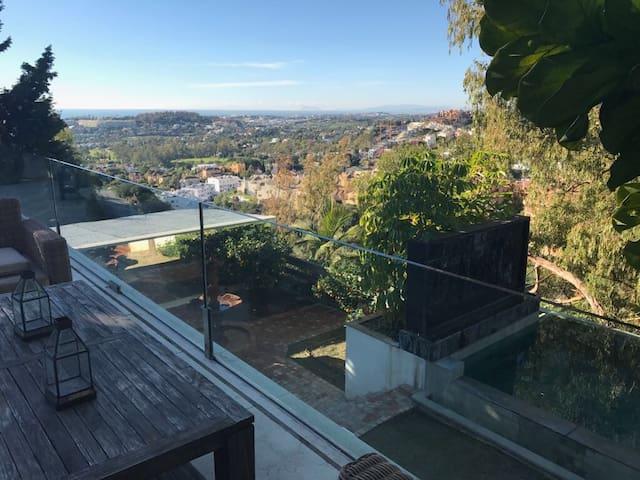 Villa with amazing view. 12 sleeps - Marbella - Casa
