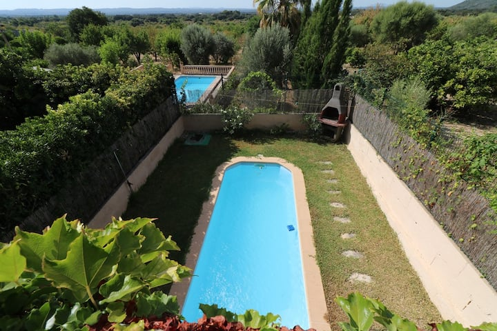Villa Mora, chalet adosado en Búger
