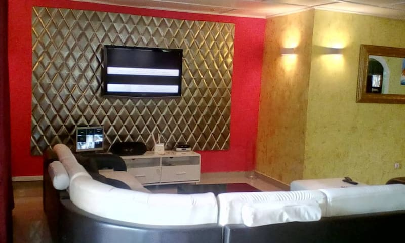 Maison meublée 3 Chambres à Bonapriso