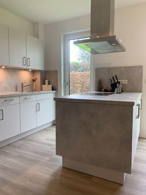 2-Zimmer Apartment-Fitnessgeräte, Garten& Terrasse