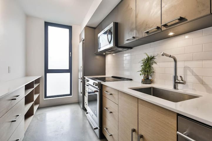 Two-story loft at LaSalle metro station