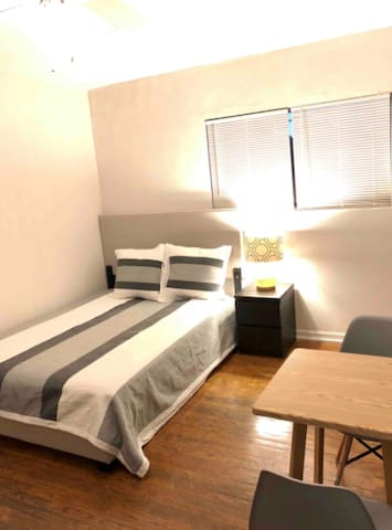 Private Room near MedCenter/Downtown/Galleria