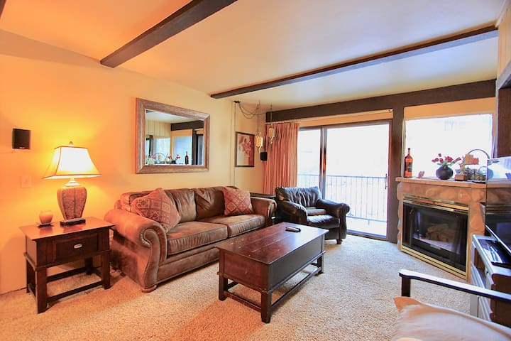 Great Mountain Getaway next to Canyon Lodge - Mammoth Lakes - Apartament
