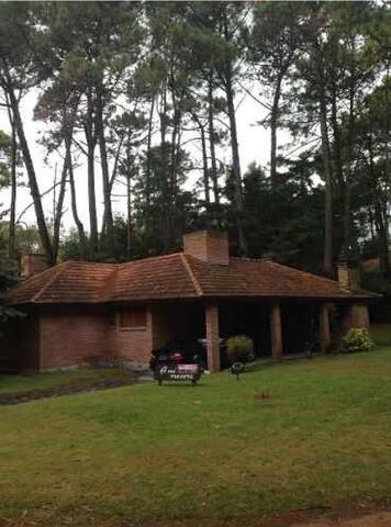 Excelente casa en el bosque !!! - Valeria del Mar - Casa