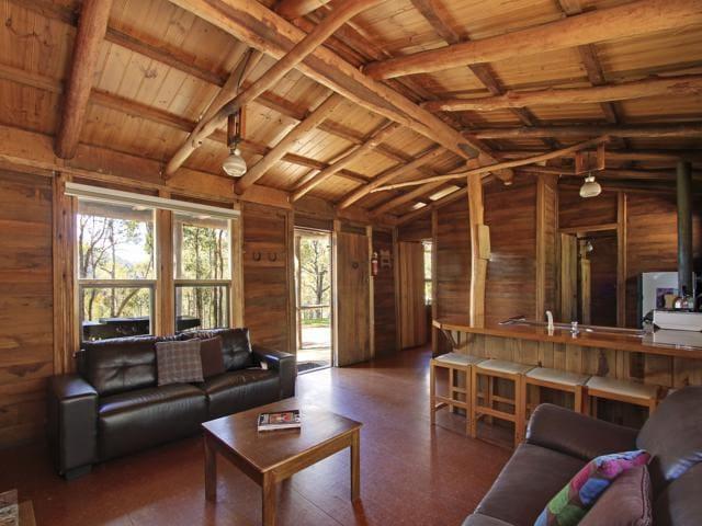 Possum Log Cabin Large Open Fire