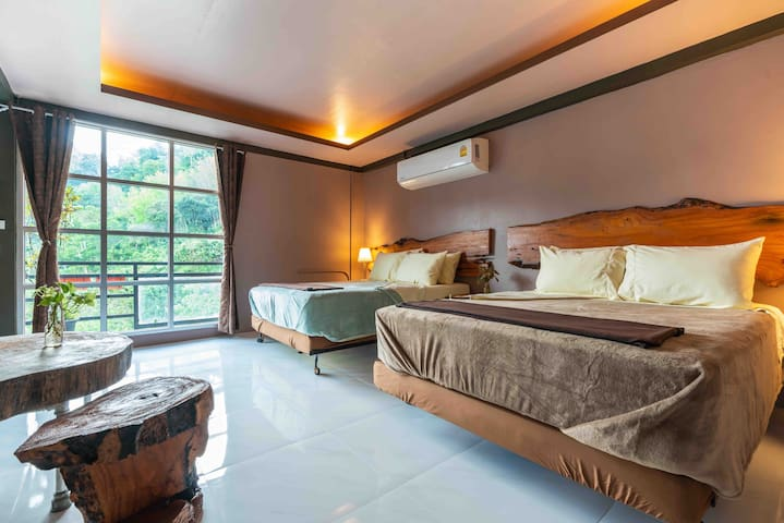 LodgePhang-Nga Family room with luxury atmosphere