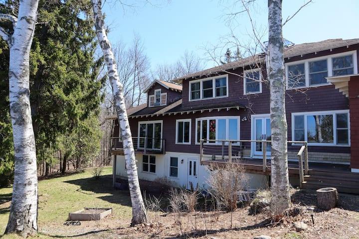 Beautiful Lake House right on Lake Champlain