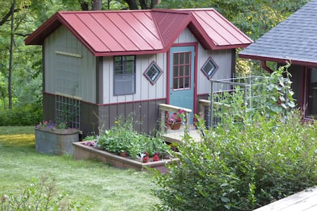 Still Point Tiny House - Belleville