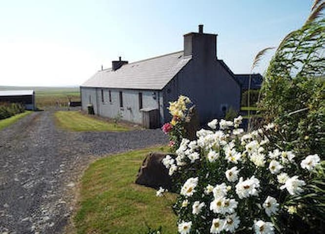 Traditional Rural Cottage - Deerness