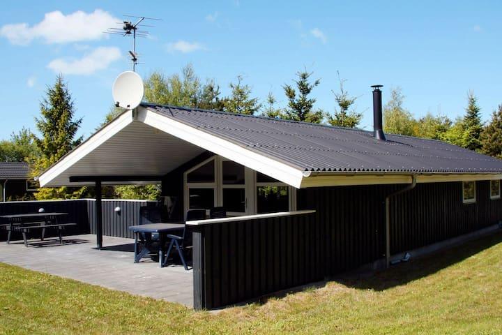 Charmant vakantiehuis in Fjerritslev met terras