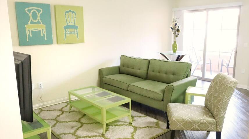 Relax in a private crisp, coastal suite near LAX