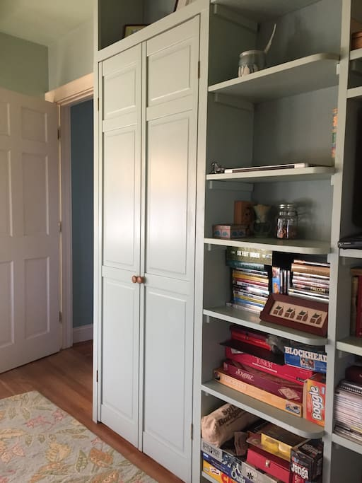 Bedroom - closet door
