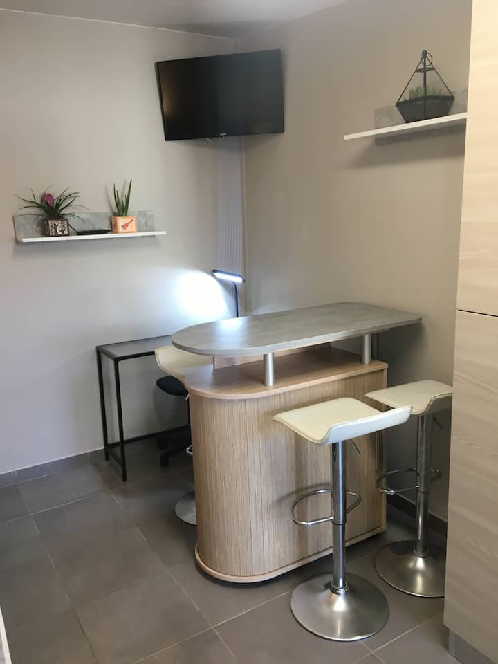 Studio meublé neuf dans quartier très calme