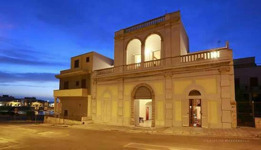 Palazzo Stapane storico sul mare, camera Misia - Santa Maria Al Bagno - Daire