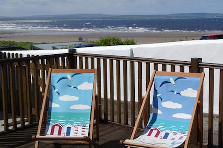 Seaforth, relax by the sea and take in the view.