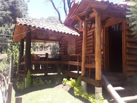 Cabaña Dylan de madera  junto al arroyo