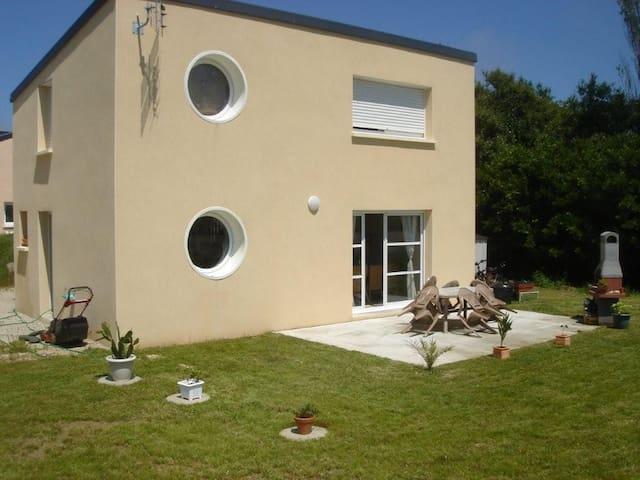 Maison à 100 m de la Mer - Kerlouan