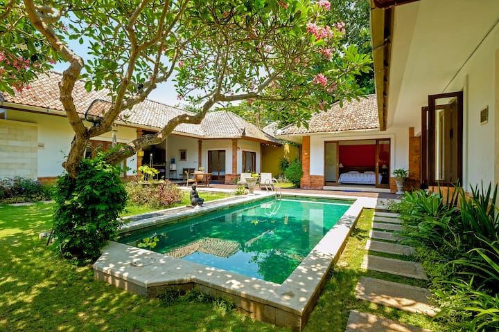 4 bedroom Cozy Tropical Villa in Sanur