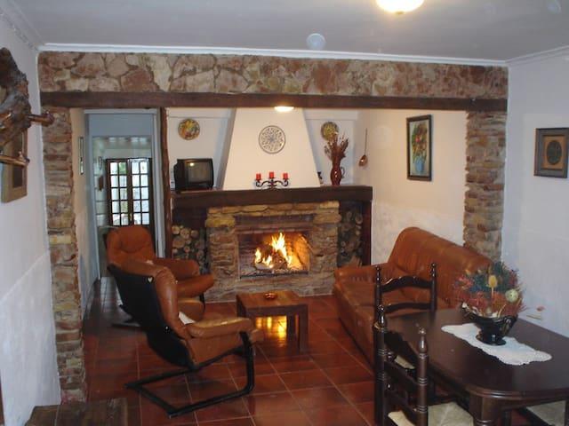 Casa Dolores - Cuevas del Becerro - Dům