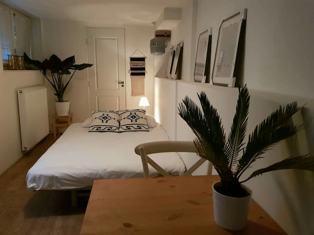 Lovely&private studio  in the citycenter!