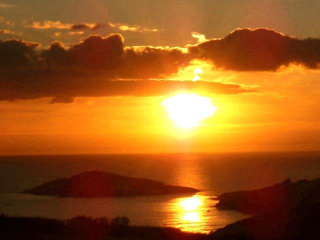 BANTHAM SUNSET LODGE WITH STUNNING SEA VIEWS. - Bantham - Naturhytte