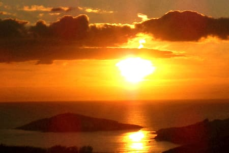 BANTHAMS SUNSET LODGE WITH STUNNING SEAVIEWS. - Bantham - Natuur/eco-lodge