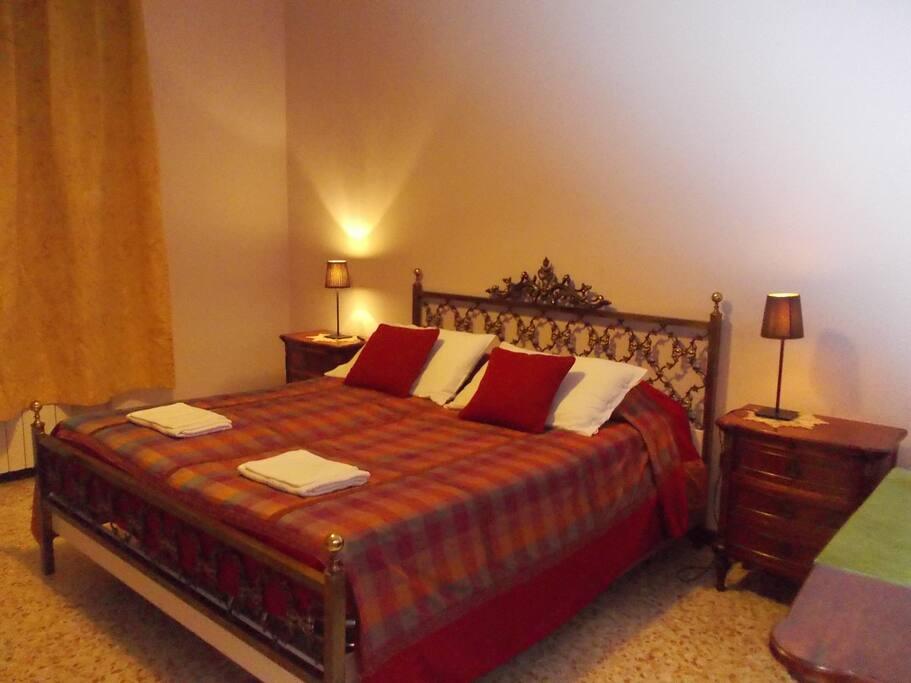 Double Room Matrimonial Bed Sleep 2