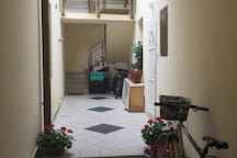 Beautiful town center apartment - bikes welcome.