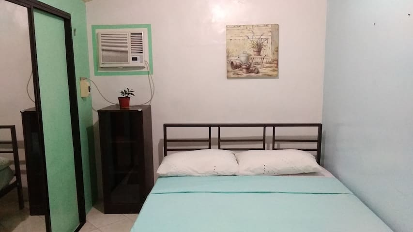 Free Airport Pick-up; Private Bedroom w/ bathroom