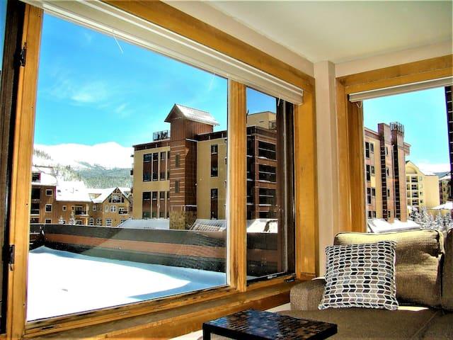 Ski In Ski Out Village at Breck Peak 9 Inn 4205