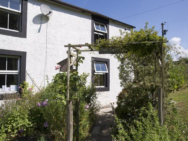 Peaceful and Cosy 2 bed cottage in West Cumbria