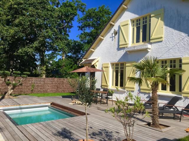 Villa avec piscine à 150m de la plage