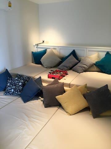 TV Room: Can sleep additional 2-6 kids/adults depending on closeness.