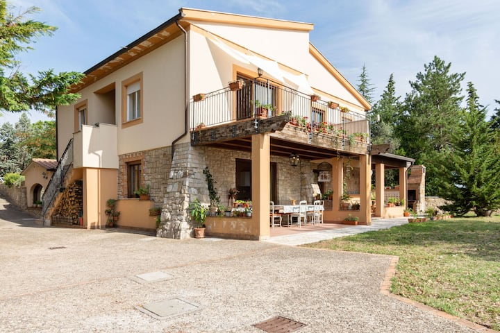 Beautiful Farmhouse in San Venanzo with Terrace