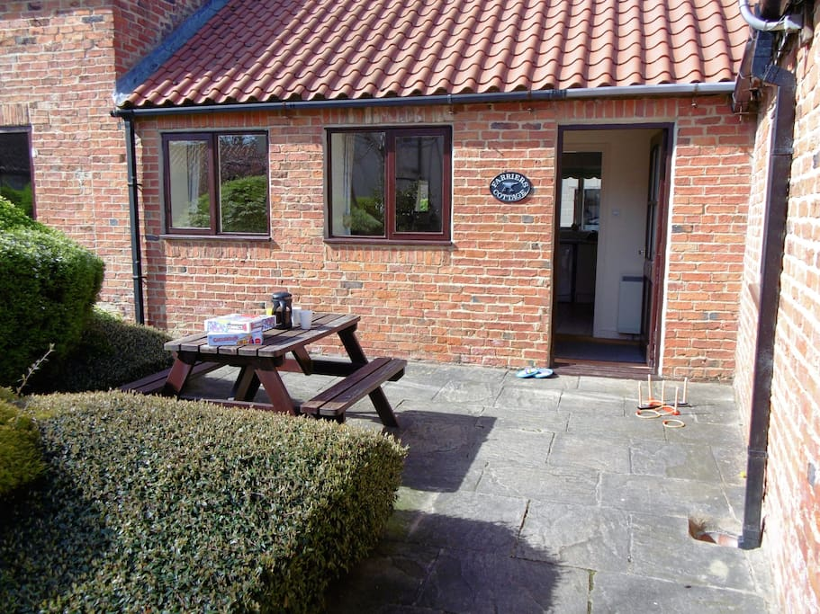 Set in the pretty courtyard at High Grange Cottages