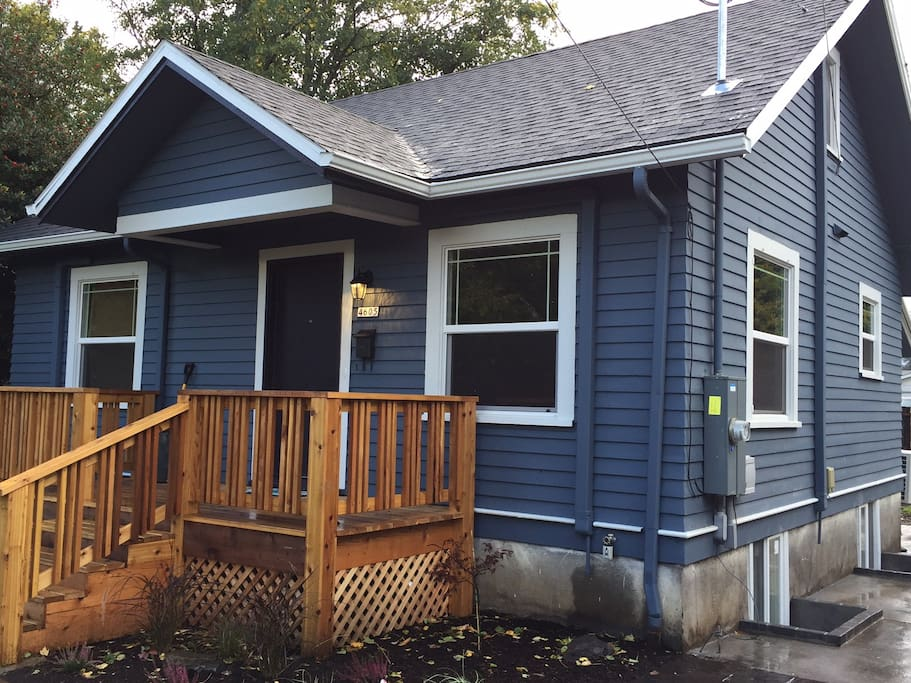 Beautiful craftsman home inner se portland reed for Portland craftsman homes