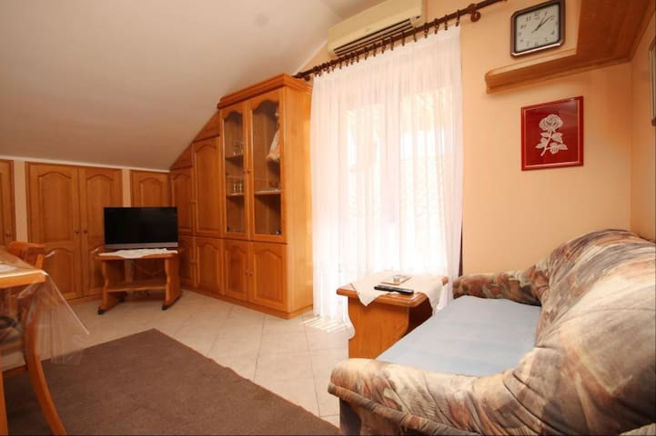 Studio flat with balcony Susak, Lošinj (AS-8047-a)