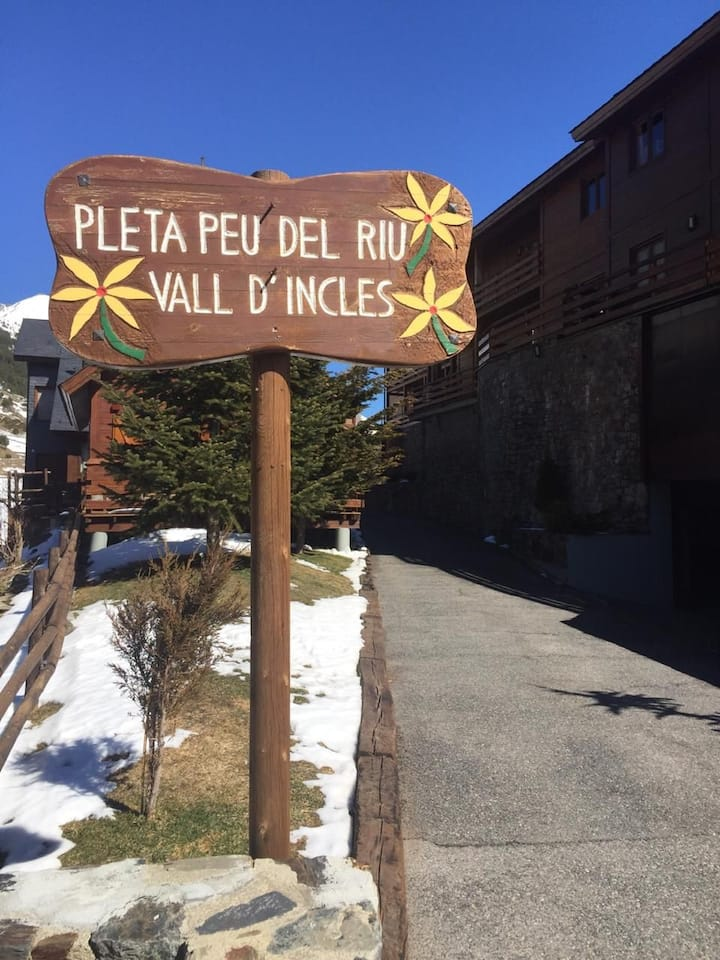 Located in the heart of the Vall d'Incles National Park is the Pleta del Peu del Riu d