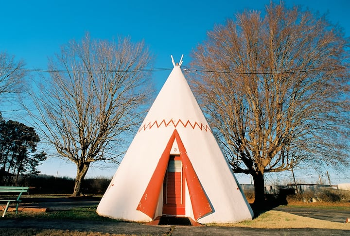 Historic Wigwam Village - Double Tipi Sleeps 4