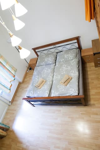 180 cm double bed