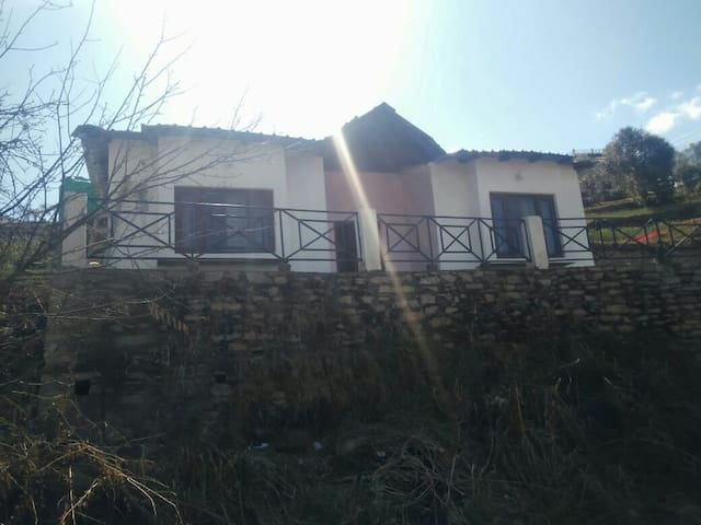 Sharad's mountain getaway - Mukteshwar - Natur-Lodge
