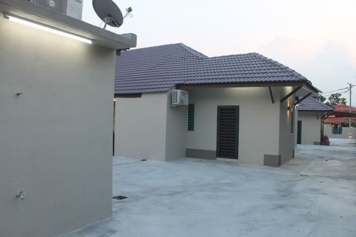3 Bungalow House (For Room Only) Kuala Pilah 2302